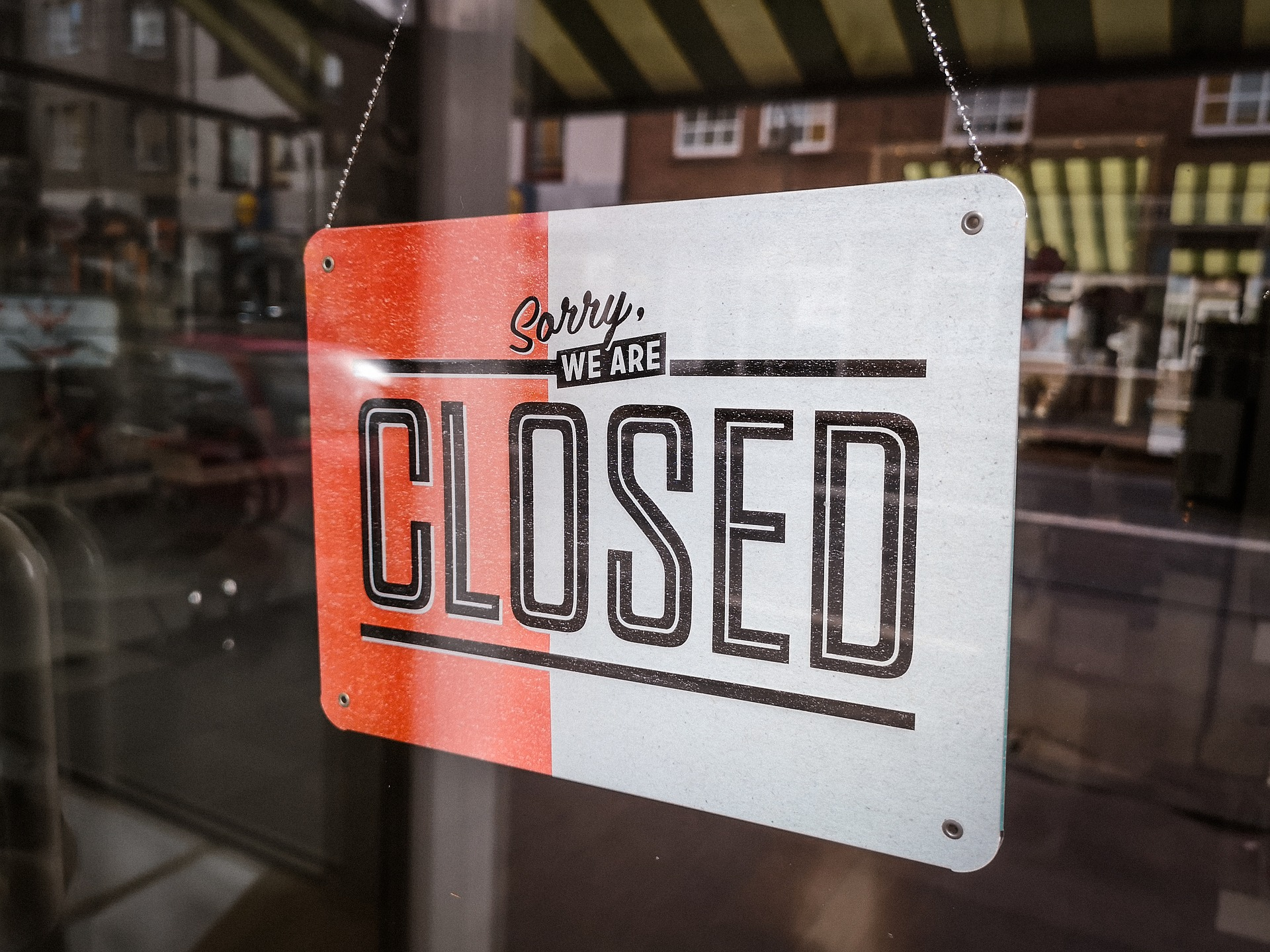 closed-3711011_1920